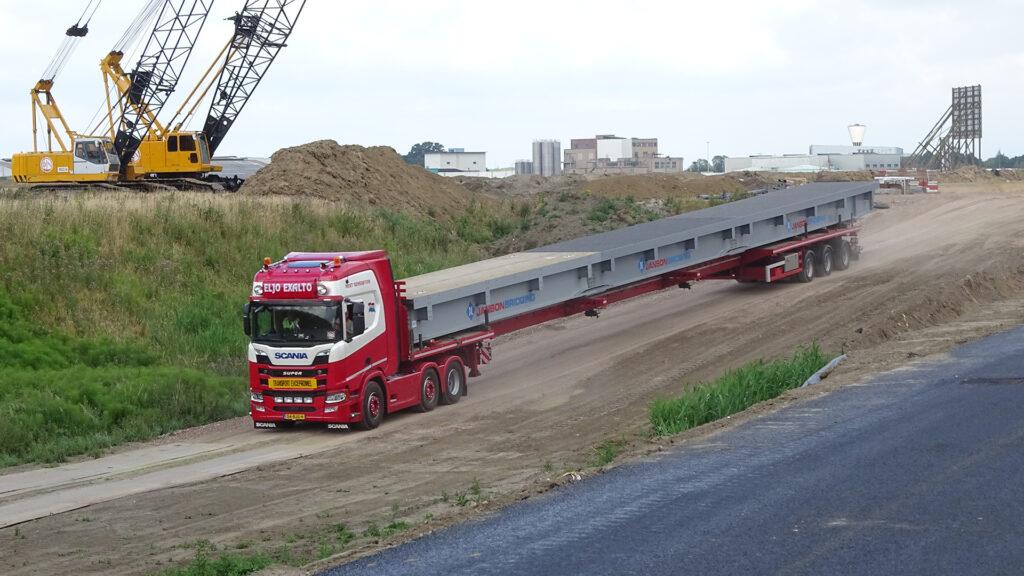 Dieplader transport Eljo Exalto Transportbedrijf